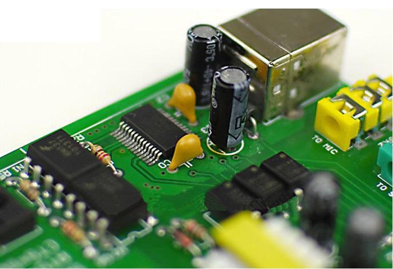 Second Hand Yaesu FT-100D Multiband Transceiver - radioworld